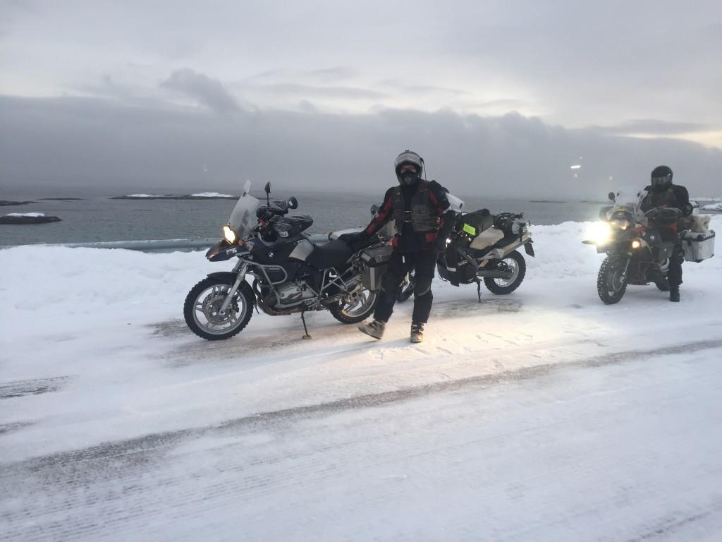 Taustalla Jäämeri tien Fv 355 varrella.